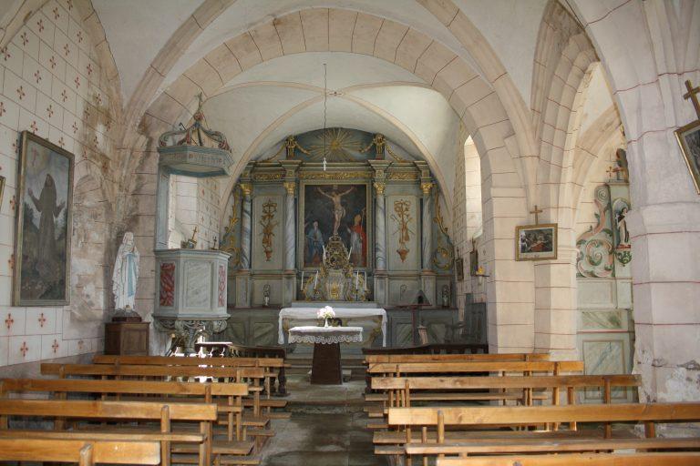 Intérieur de l'église de Maymac