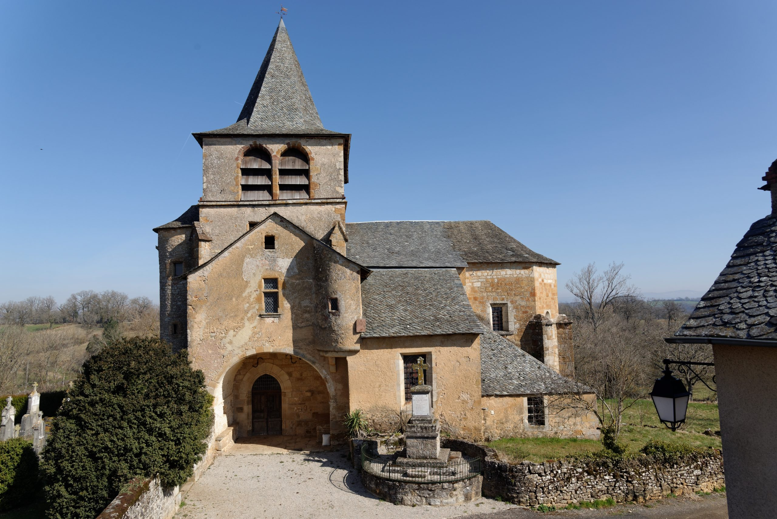 Eglise de Lagnac, vue de l'extérieur