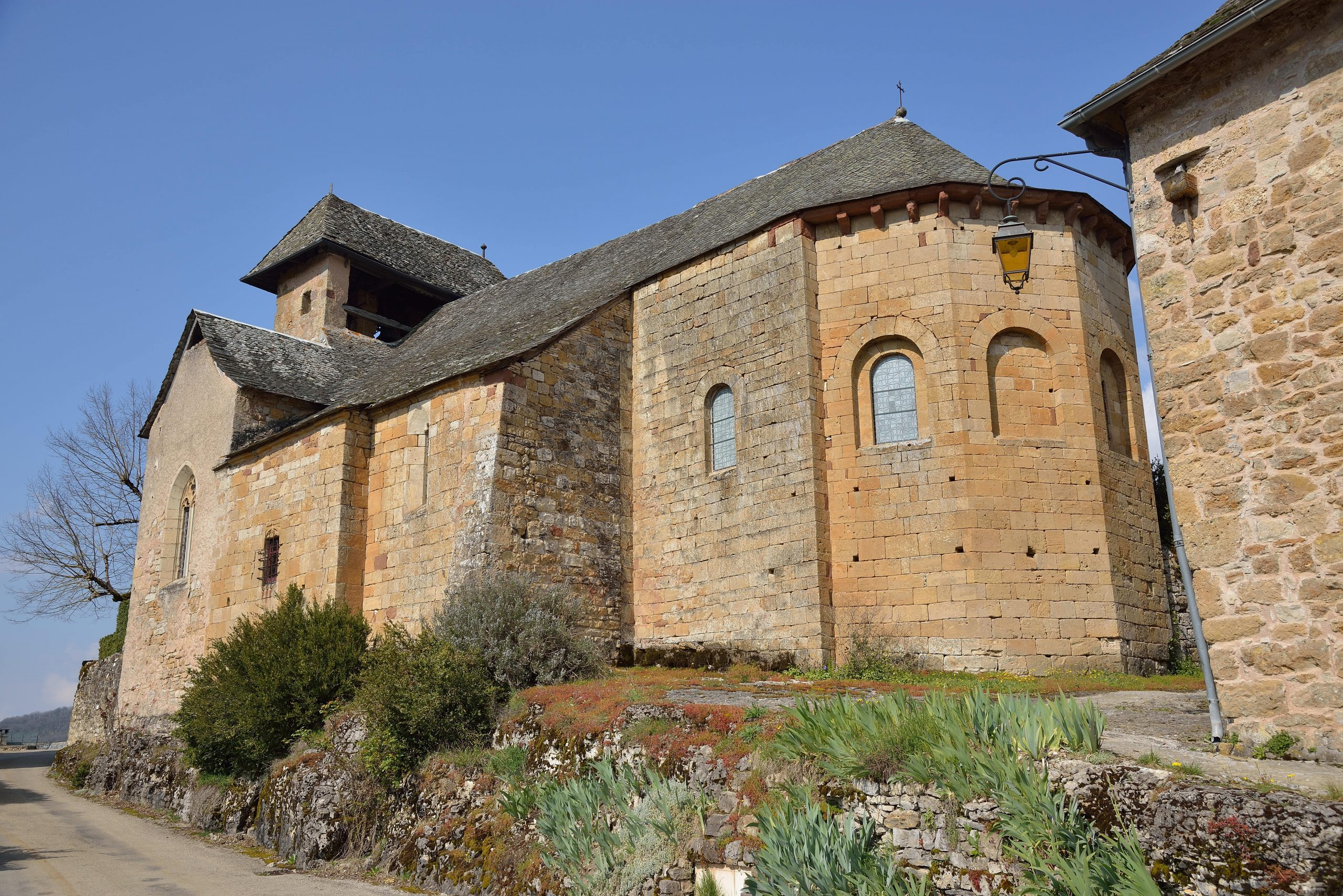 Extérieur de l'Eglise de Rodelle