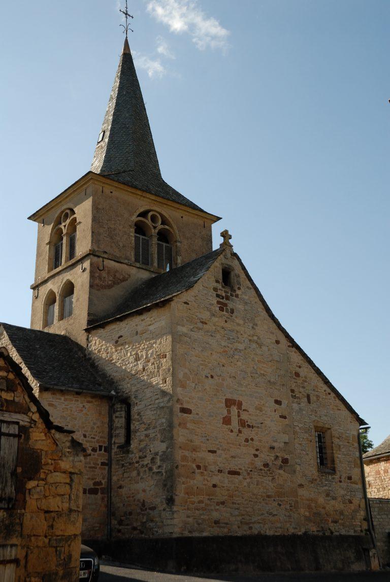 Eglise de Saint-Julien de Rodelle, vue de l'extérieur