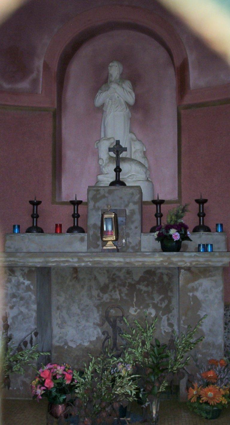 Intérieur de la chapelle de Sainte Tarcisse