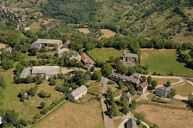 Vue aérienne du village de Maymac